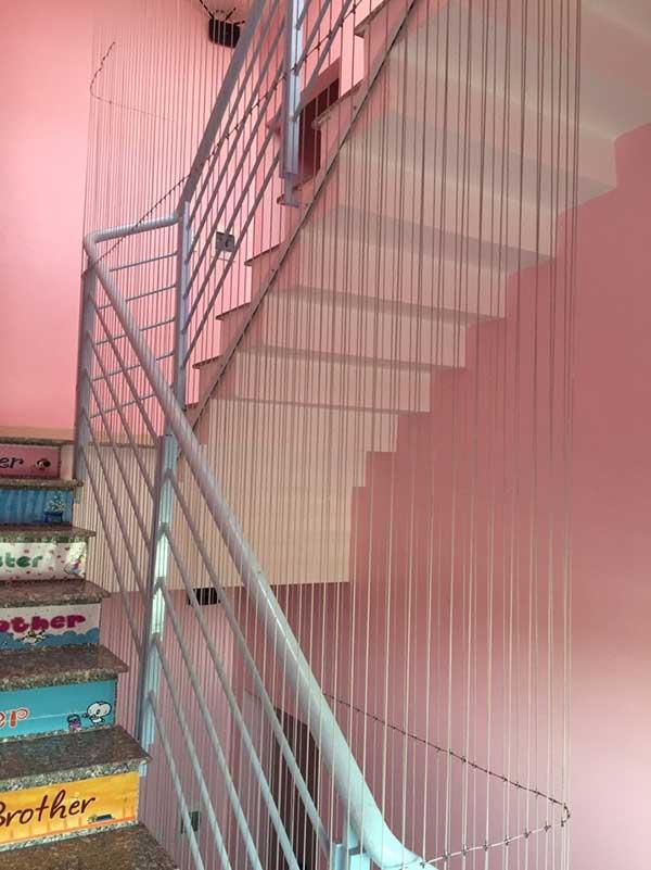 Vì sao nên chọn lưới cầu thang trường mầm non của Hòa Phát?