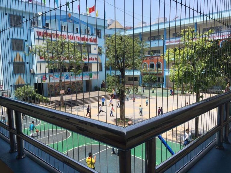 Quy trình lắp đặt lưới an toàn trường mầm non của Công ty TNHH trang trí nội thất Hòa Phát
